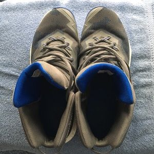 Size 5 1/2 Athletic Shoes